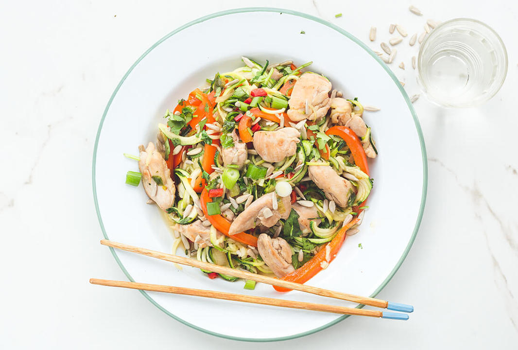 Healthy chicken recipe pad thai with chicken pepper courgetti pad thai with chicken pepper courgetti forumfinder Image collections